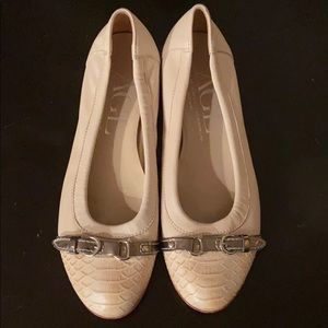 AGL Cream Cap Toe Ballet Flat Silver Buckle 40